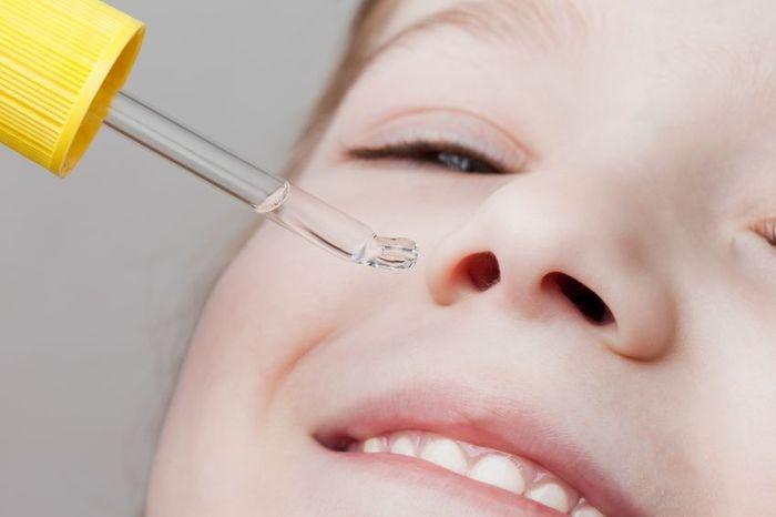 Как правильно промывать нос физраствором?
