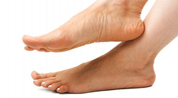 Грибок ногтей на ногах: симптомы, лечение, препараты